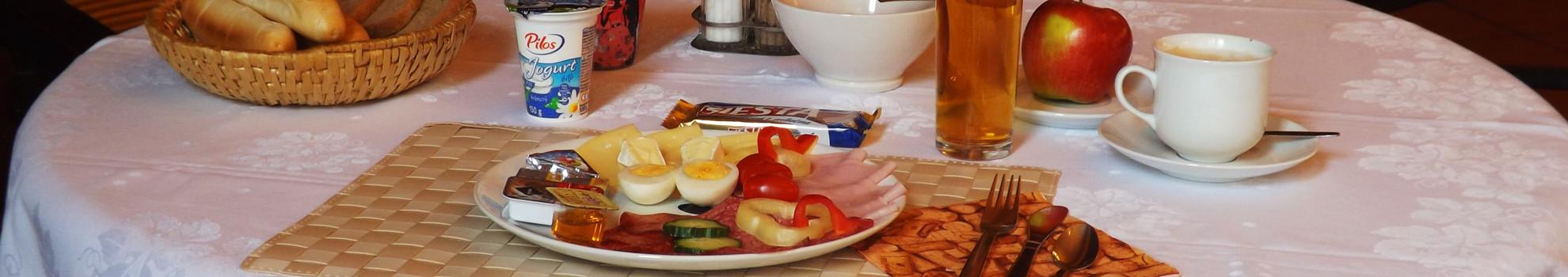 Snídaně v hotelu Avion v Prostějov